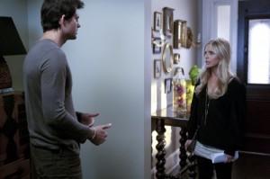 "Kristoffer Polaha and Sarah Michelle Gellar in RINGER - Season 1 - ""Poor Kids Do It Everyday""| ©2011 The CW/Art Streiber"