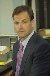 "Jonny Lee Miller in DEXTER - Season 5 - ""Circle Us"" | ©2010 Showtime/Randy Tepper"