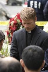 "Joel Gretsch in V - Season 2 - ""Serpent's Tooth"" | ©2011 ABC/Elke Schroter"