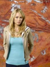 Laura Vandervoort in V - Season 2 | ©2011 ABC/Bob D'Amico