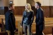 "Joel Gretsch, Elizabeth Mitchell, Jay Karnes in V - Season 2 - ""Unholy Alliance"" | ©2011 ABC/Jack Rowand"