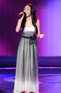 """Thia Megia performs on AMERICAN IDOL - Season 10 - """"The Top 13""""   ©2011 Fox/Ray Mickshaw"""