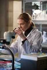 "Anna Torv in FRINGE - Season 3- ""Stowaway"" | ©2011 Fox/Liane Hentscher"