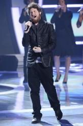 "Casey Abrams performs on AMERICAN IDOL - Season 10 - ""The Top 13"" | ©2011 Fox/Ray Mickshaw"