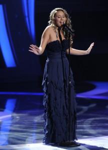 "Hayley Reinhart performs on AMERICAN IDOL - Season 10 - ""The Top 13"" | ©2011 Fox/Ray Mickshaw"