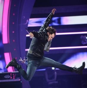 James Durbin performs on AMERICAN IDOL - Season 10 - The Final Four | ©2011 Fox/Michael Becker