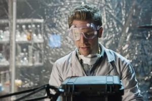 "Bret Harrison in V - Season 2 - ""Uneasy Lies the Hand"" | ©2011 ABC/Jack Rowand"