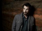 Noah Wyle in FALLING SKIES - Season 1 | ©2011 TNT/James White