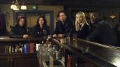 Timothy Hutton, Christian Kane, Aldis Hodge, Gina Bellman and Beth Riesgraf in LEVERAGE - Season 4   ©2011 TNT/Erik Heinila