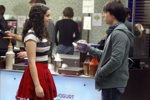 "Vanessa Marano, Shayne Topp in LOVE BITES - ""TMI"" | ©2011 NBC/Jordin Althaus"