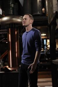"Aaron Ashmore in WAREHOUSE 13 - Season 3 - ""Love Sick"" | ©2011 NBC/Steve Wilkie"