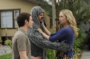 "Elijah Wood, Jason Gann and Fiona Gubelmann in WILFRED - Season 1 - ""Trust"" | ©2011 FX/Ray Mickshaw"