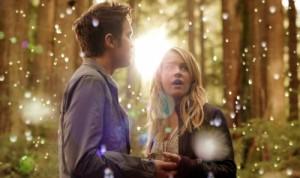 "Thomas Dekker and Britt Robertson in THE SECRET CIRCLE - Season 1 - ""Pilot"" | ©2011 The CW Network"