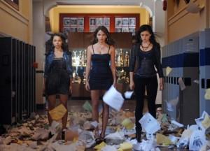 "Jessica Parker Kennedy, Shelley Hennig and Phoebe Tonkin in THE SECRET CIRCLE - Season 1 - ""Loner"" | ©2011 The CW/Sergei Bachlakov"