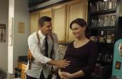"Emily Descanel and David Boreanaz in BONES - Season 7 - ""The Memories in The Shallow Grave"" | ©2011 Fox/Beth Dubber"