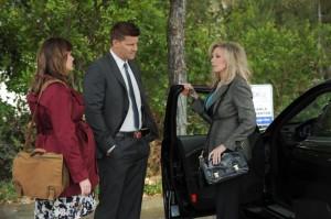 "Emily Deschanel, David Boreanaz, Morgan Fairchild in BONES - Season 7 - ""The Prince in the Plastic"" | ©2011 Fox/Ray Mickshaw"