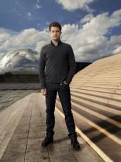 Joshua Jackson in FRINGE - Season 4 | ©2011 Fox/Andrew Matusik