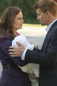 "Emily Deschanel and David Boreanaz in BONES - Season 7 - ""The Past in the Present"" | ©2012 Fox/Patrick Mcelhenney"