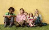 Dakota Johnson, Nat Faxon, Echo Kellum, Maggie Elizabeth Jones, Lucy Punch in BEN AND KATE - Season 1 | ©2012 Fox/Miranda Penn Turin