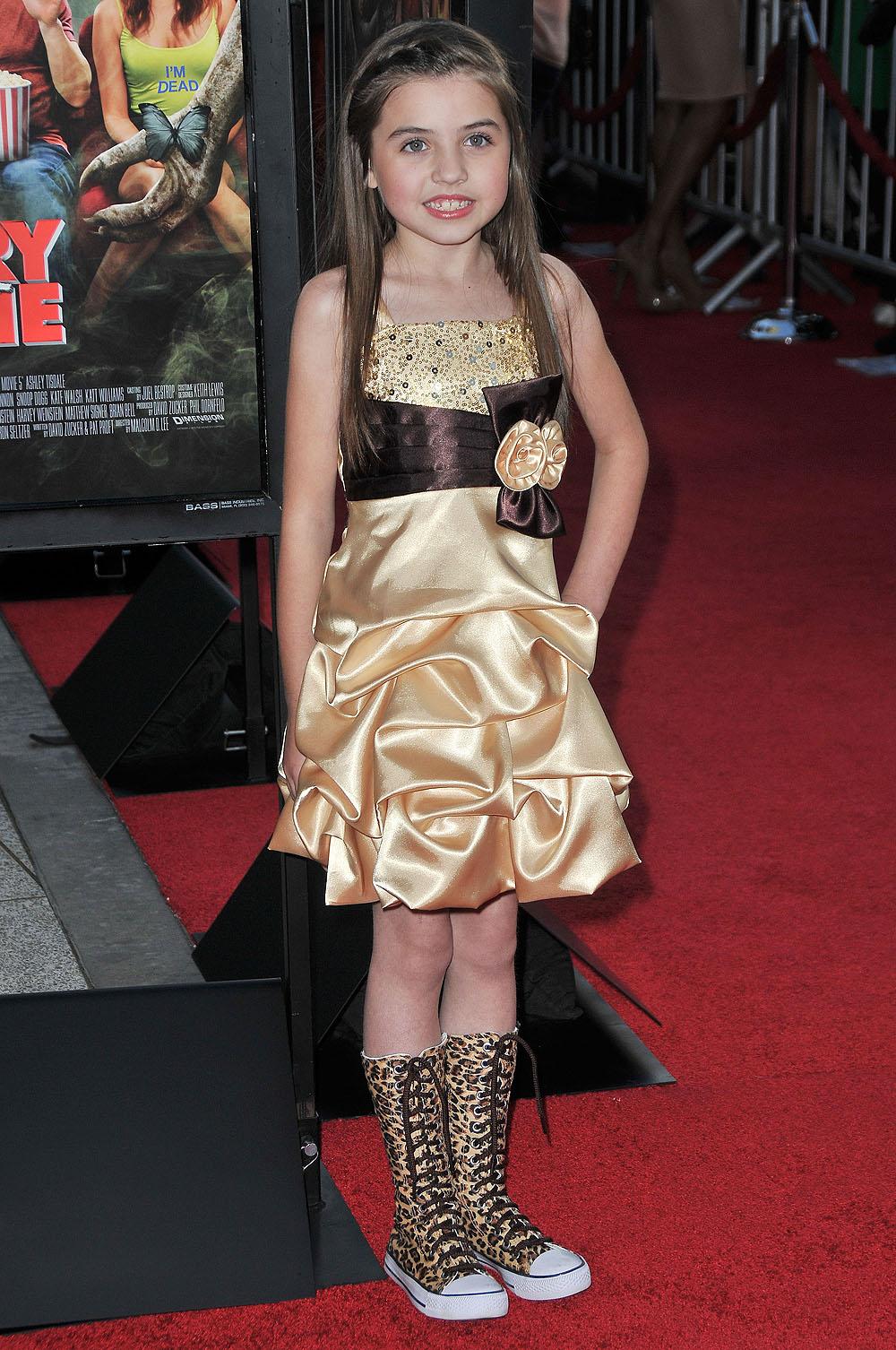 Erica ash scary movie 5 - 3 2