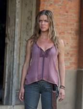 "Tracy Spiridakos as Charlie Matheson in REVOLUTION ""Dead Man Walking"" | (c) 2013 Felicia Graham/NBC"