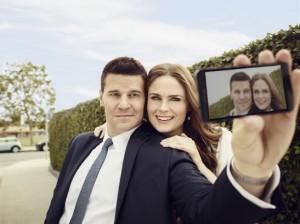 David Boreanaz and Emily Deschanel in BONES - Season 9 | ©2013 Fox/Jeff Lipsky
