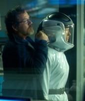 "Dr. Jordan (Jordan Hayes) gets taken hostage by infected scientists in HELIX ""Vector"" | (c) 2014 SyFy"