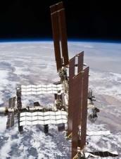 LIVE FROM SPACE | © 2014 NatGeo/NASA