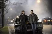 "Jared Padalecki and Jensen Ackles in SUPERNATURAL - Season 9 - ""Bloodlines"" | ©2014 The CW/Carole Segal"