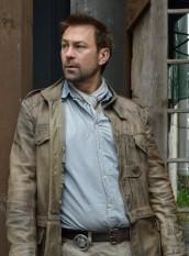 Grant Bowler as Joshua Nolan in DEFIANCE | © 2014 Ben Mark Holzberg/Syfy
