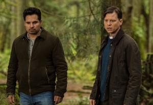 "Michael Peña and Kevin Rankin in GRACEPOINT - Season 1 - ""Episode Seven"" | ©2014 Fox/Ed Araquel"