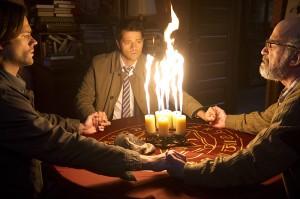 "Jared Padalecki as Sam, Misha Collins as Castiel, and Richard Newman as Oliver in SUPERNATURAL - Season 10 - ""Inside Man"" | ©2015 The CW/Carole Segal"