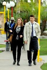 "Emily Deschanel and David Boreanaz in BONES - Season 10 - ""The Putter in the Rough"" | © 2015 Ray Mickshaw/FOX"