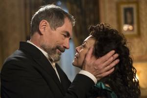 Timothy Dalton and Helen McCrory in PENNY DREADFUL - Season 2 | ©2015 Showtime/Jonathan Hession