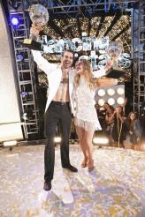 Nyle DeMarco and Peta Murgatroyd win DANCING WITH THE STARS - Season 22 | ©2016 ABC/Adam Taylor
