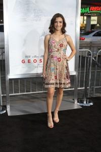 Soni Nicole Bringas at the World Premiere of GEOSTORM