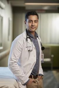 Manish Dayal is Dr. Devon Pravesh in THE RESIDENT - Season 1| ©2018 Fox/David Johnson