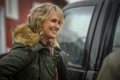 "Samantha Smith as Mary Winchester in SUPERNATURAL - Season 14 - ""Damaged Goods""| © 2018 The CW Network, LLC/Diyah Pera"