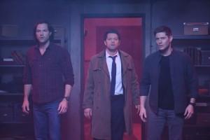"Jared Padalecki as Sam, Misha Collins as Castiel and Jensen Ackles as Dean in SUPERNATURAL - Season 14 - ""Jack in the Box""| ©2019 The CW Network, LLC/Diyah Pera"