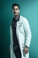 Manish Dayal as Dr. Devon Pravesh in THE RESIDENT - Season 3 | ©2019 Fox /Miranda Penn Turin