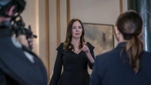 "Hope Davis as Gina Baxter in YOUR HONOR - Season 1 - ""Part Seven""   ©2021 Showtime/Skip Bolen"