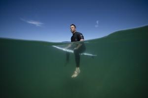 Chris Hemsworth in SHARK BEACH WITH CHRIS HEMSWORTH |©2021 National Geographic/Craig Parry